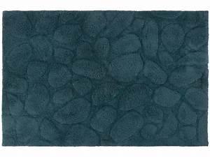 Tapis Bleu Petrole : tapis de salle de bain 60x90 cm galets coloris bleu ~ Melissatoandfro.com Idées de Décoration