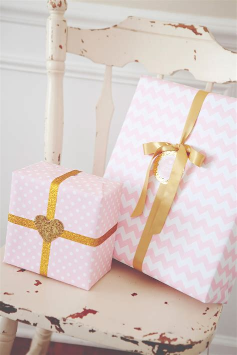 Sweetly Feature Pink & Gold Party