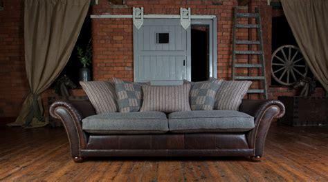 canape cuir et tissu canapé anglais carloway en cuir et tissus longfield 1880