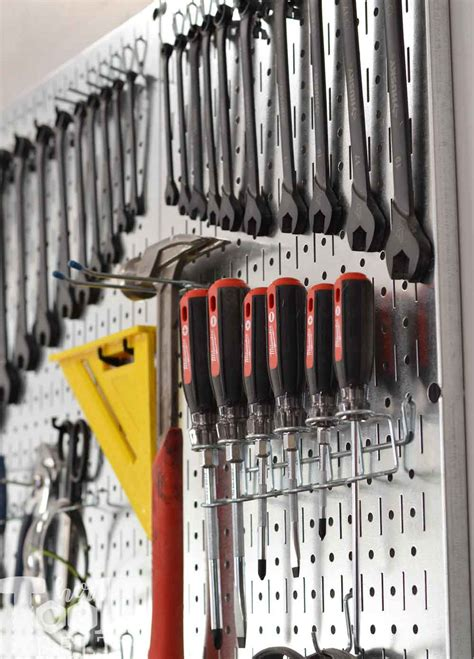 organize screwdrivers  pegboard  tool belt