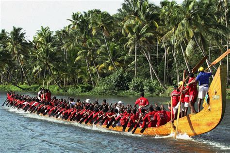 Snake Boat Race In Kerala by The Priceless Experience Of Onam The Travelers World