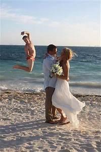 The best of wedding photobombs 16 pics for Best wedding photos ever taken