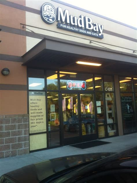 mud bay 21 reviews pet stores 13210 meridian ave e