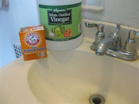 clogged sink vinegar baking soda 144 best images about homemade products on pinterest