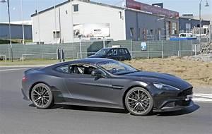 Aston Martin Vanquish 2018 : 2018 aston martin vanquish s spied a 600 hp v12 swansong before twin turbo era autoevolution ~ Maxctalentgroup.com Avis de Voitures