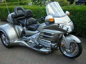 Goldwing trike ultimate dream! Moving Forward