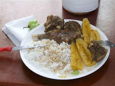 la cuisine antillaise cuisine antillaise et la banane jaune assemblée