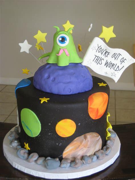 outer space alien cake byrdie girl custom cakes