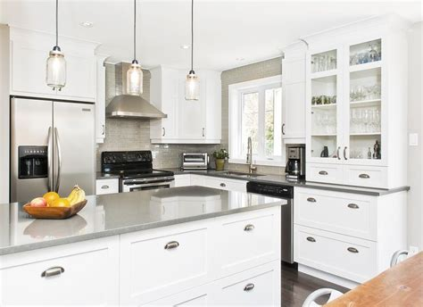 comptoir cuisine armoires blanche comptoir gris search cuisine