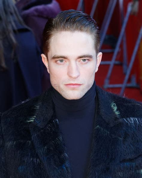 File:Robert Pattinson 2017.jpg - Wikimedia Commons