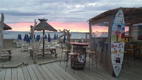 l estuaire plage port camargue omd 246 om restauranger