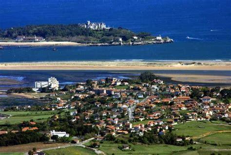 vista aérea del pueblo, PEDREÑA (Cantabria)