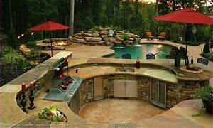 Backyard Design Idea With Pool and Outdoor Kitchen