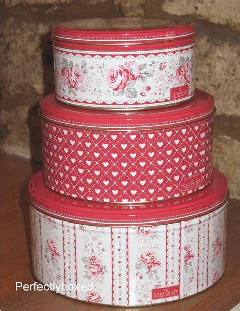 set of 3 novelty christmas cake tins vintage cake tins www perfectlyboxed