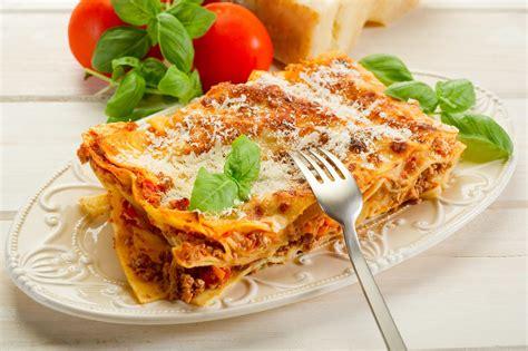 les plats cuisin駸 la cuisine des italiens 28 images vocabulaire illustr 233 la cuisine les verbes 2