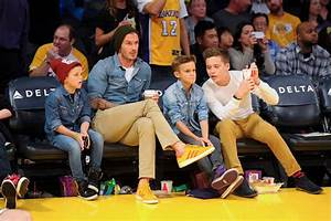 David Beckham took his boys to watch a Lakers game in ...