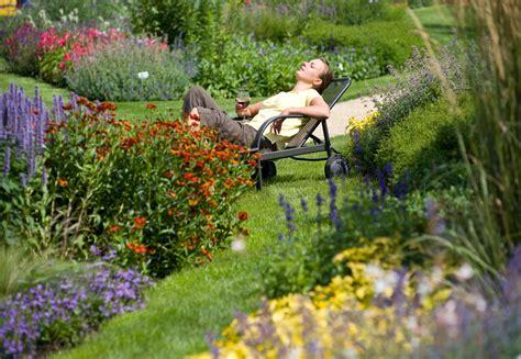Paradiesische Zeiten  Relaxen Im Garten Behrens