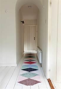 tapis de couloir et d39entree aux motifs rigolos With tapis couloir design