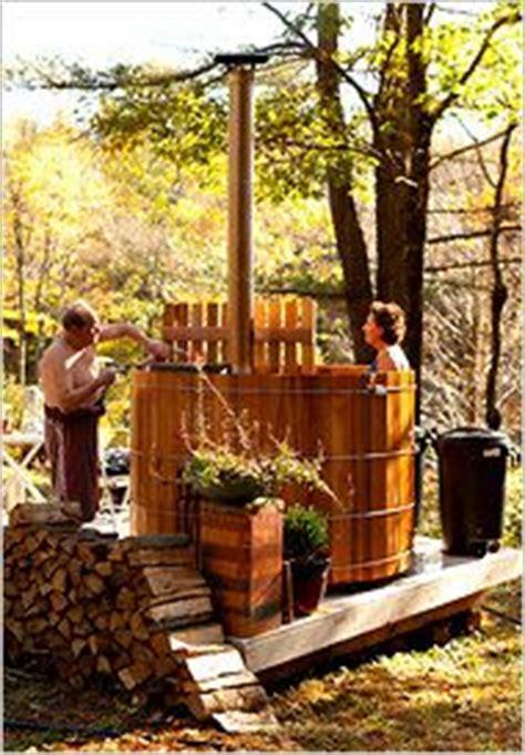 Whirlpool Holz Rund Garten Einbauen Mosaik Gehweg