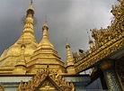 Photo Gallery of Sule Pagoda in the Hesrt of Yangon City ...
