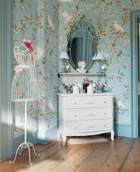 chambre a coucher pour adulte avec papier peint