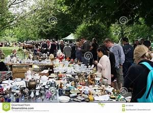 Hannover Messe Flohmarkt : altstadt flohmarkt hannover is the oldest flea market in germany editorial stock image image ~ Markanthonyermac.com Haus und Dekorationen