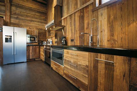 cuisine en vieux bois vieux bois et confort absolu images