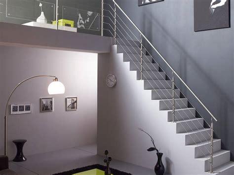 escalier contemporain en b 233 ton cir 233 leroy merlin un escalier gris tr 232 s design avec un garde
