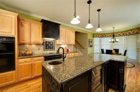 best color for kitchen with oak cabinets best ideas kitchen paint colors with oak cabinets design 9720