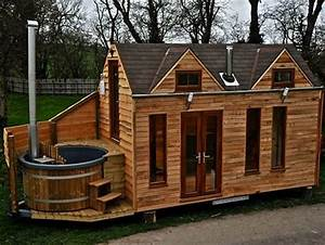 """Glamper"" tiny houses built with hot tubs for luxurious"