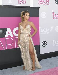 All the gorg beauty inspo from the 2017 ACM Awards - GirlsLife