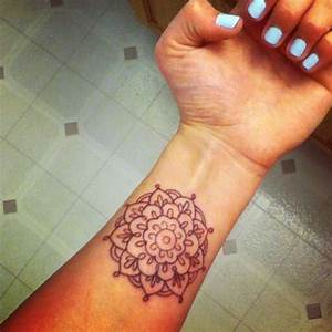 Crown chakra henna tattoo on wrist | Thousand petal lotus ...