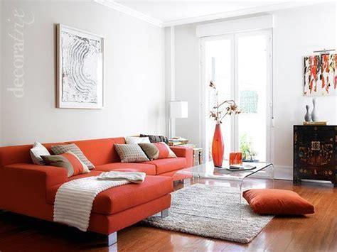 sofa verde y naranja m 225 s de 25 ideas fant 225 sticas sobre salas naranja en