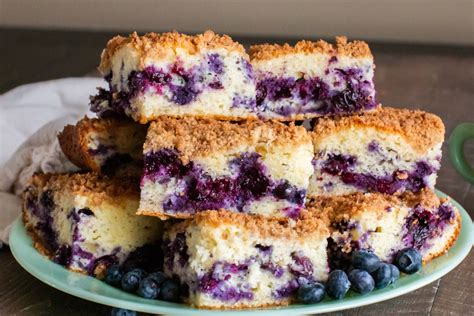 When you read through the recipe, you'll probably think that there are a lot of details and that it's too hard, but i'll walk you through it, step by step and you'll see how easy it is. Blueberry Coffee Cake - Vintage Recipe Tin