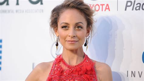How Nicole Richie Got Her Lavender Highlights Stylecaster