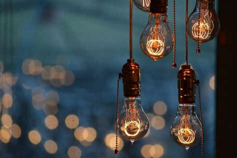 coole diy lampen aus gluehbirnen basteln schoen und funktional
