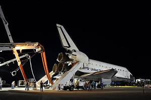 Post-last-landing walkaround of space shuttle Endeavour ...