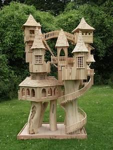 Rob Heard Bough House 3-the ultimate bird house - looks a