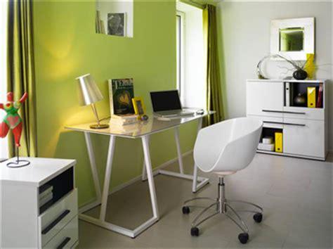 le de bureau vert anis décoration d 39 un coin bureau idées couleurs peinture