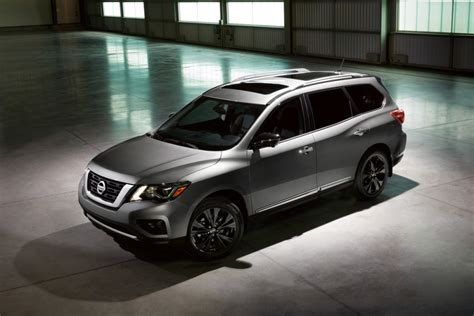 nissan brings  midnight edition models  chicago auto