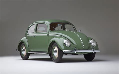volkswagen old old vs new volkswagen beetle video motor trend