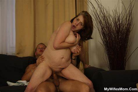 Daughter Finds A Recent Fucker Babe Finds Her Hooker Bombshell Fucked Slim Dad
