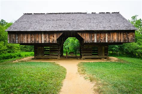 cabins in townsend tn 4 benefits you only get with townsend tn cabin rentals