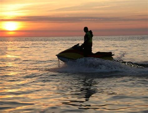 Waterscooter Knrm by 137 Best Lifeguards Images On Pinterest Lifeguard 7
