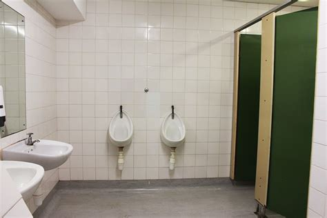 mixed reactions  ucts mixed bathrooms  daily vox