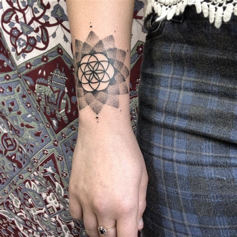 Interessante Ideenschmetterling Tattooidee Frauentattoo by 1001 Ideen F 252 R Blume Des Lebens Designs