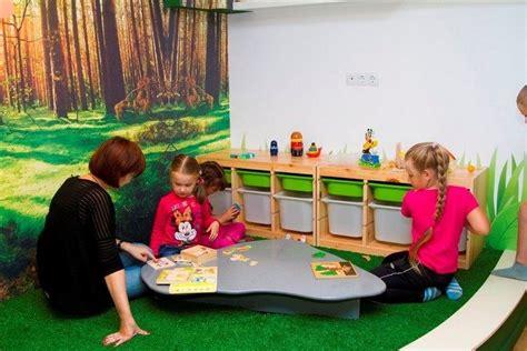 jeux de rangement de la chambre salle de jeux enfant comment la meubler et la décorer