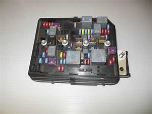 Buy 2007 Chevrolet Impala Under Hood Fuse Box 25790585