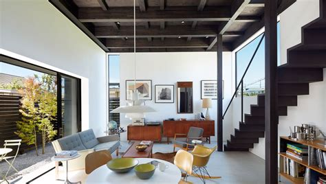 Beautiful Modern Minimalist Loft With A View : Tokyo Modern Home Is Bunker On The Outside, Airy Loft On