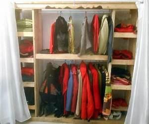 Dressing En Palette : dressing en palette dressing avec des palettes de bois 12 ~ Melissatoandfro.com Idées de Décoration